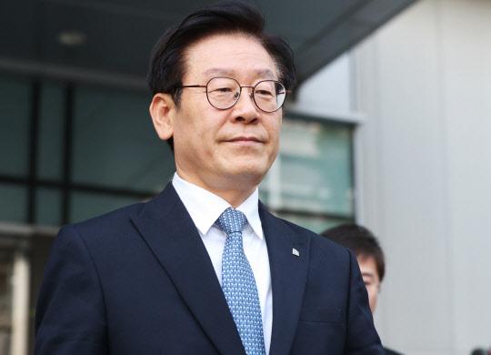 경찰, 이재명 `강제입원` 등 3개혐의 기소의견 검찰 송치